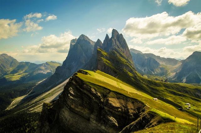 stunning-dolomites-mountains-italy
