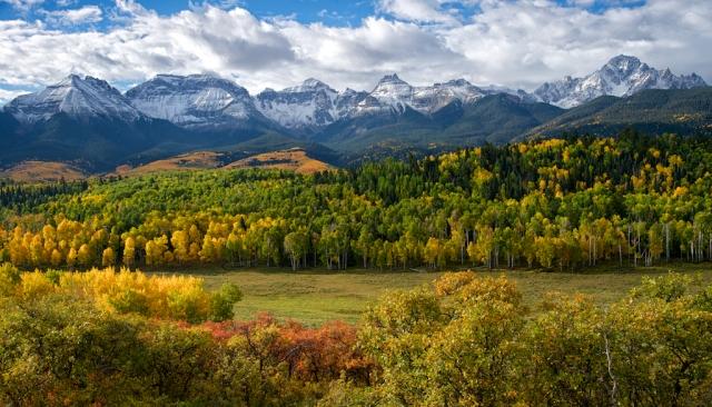 Mt_-Sneffels-Range-in-fall