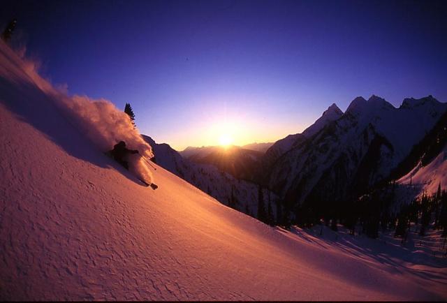 heli_skiing_bc