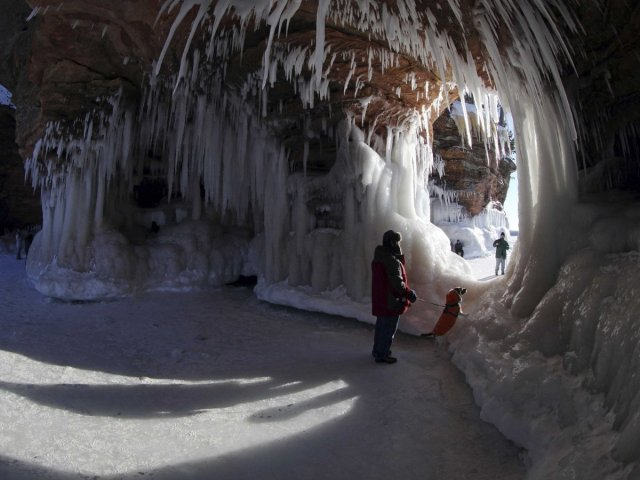 wisconsin-ice-caves-3