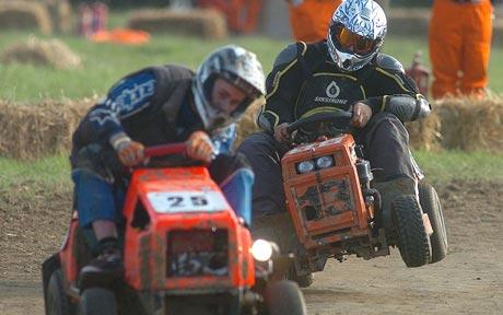 lawnmower-racing-1_782032c